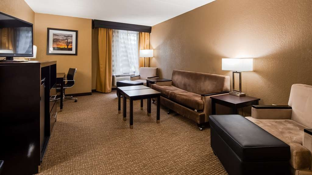 Best Western Harrisburg North - Guest Suite