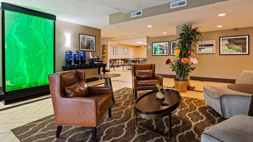 Best Western Harrisburg North - Lobby