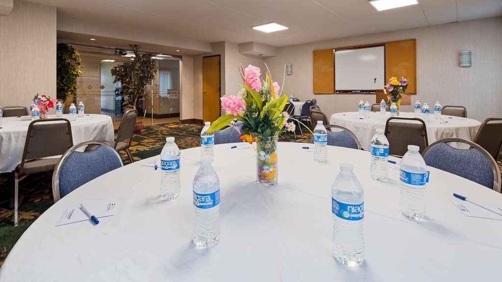 Best Western Harrisburg North - Conference Room