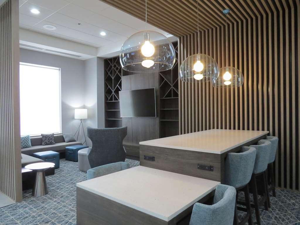 Best Western Plus Wilkes Barre-Scranton Airport Hotel - Vue du lobby