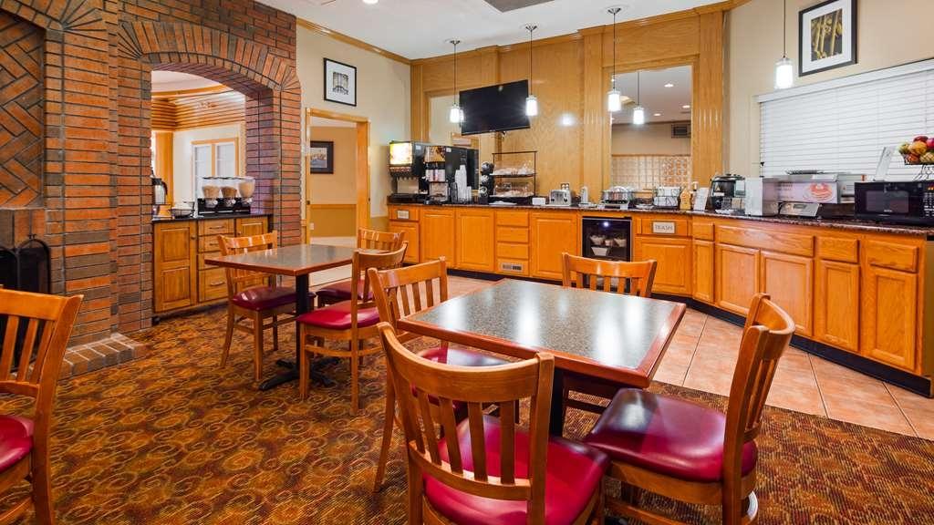 Best Western West Greenwich Inn - Restaurant / Gastronomie