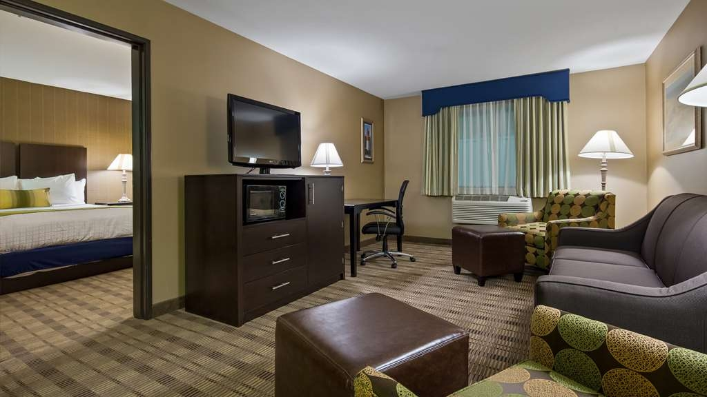Best Western Airport Inn - Two Queen Suite