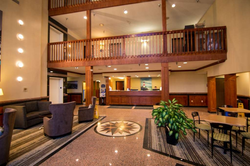 Best Western Airport Inn - Lobby