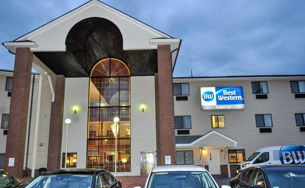Best Western Airport Inn - FRONT OF HOTEL SIGN