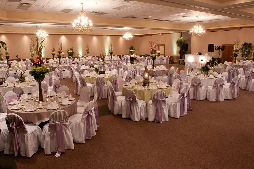 Best Western Inn of the Ozarks - Our banquet style seating is equipped to comfortably seat a large amount of people.