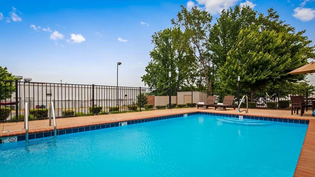 Best Western Conway - Vue de la piscine