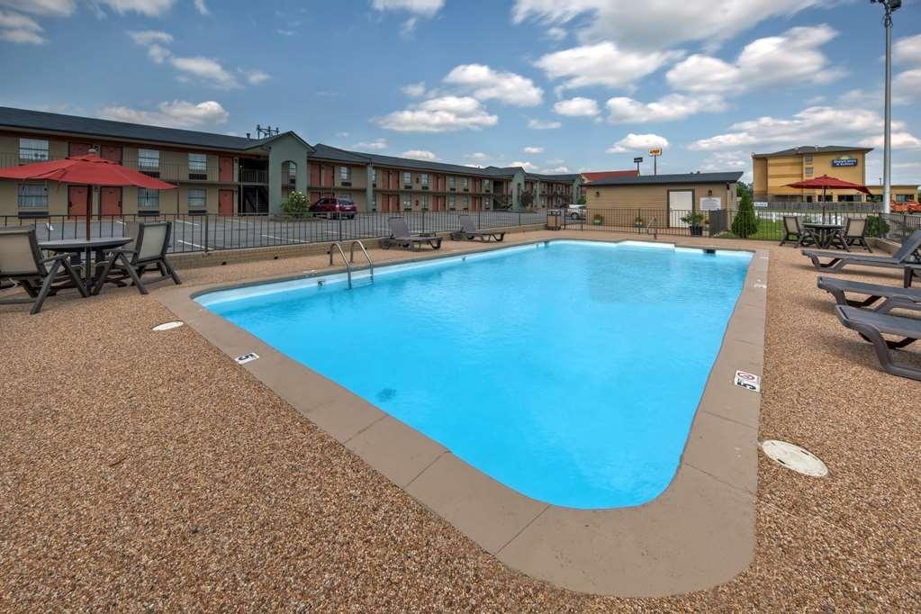 Best Western Inn - Take a refreshing dip in our outdoor pool open seasonally.