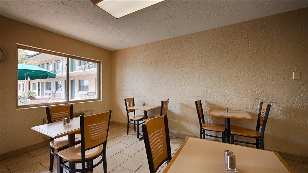 Best Western Hillside Inn - Sala colazione