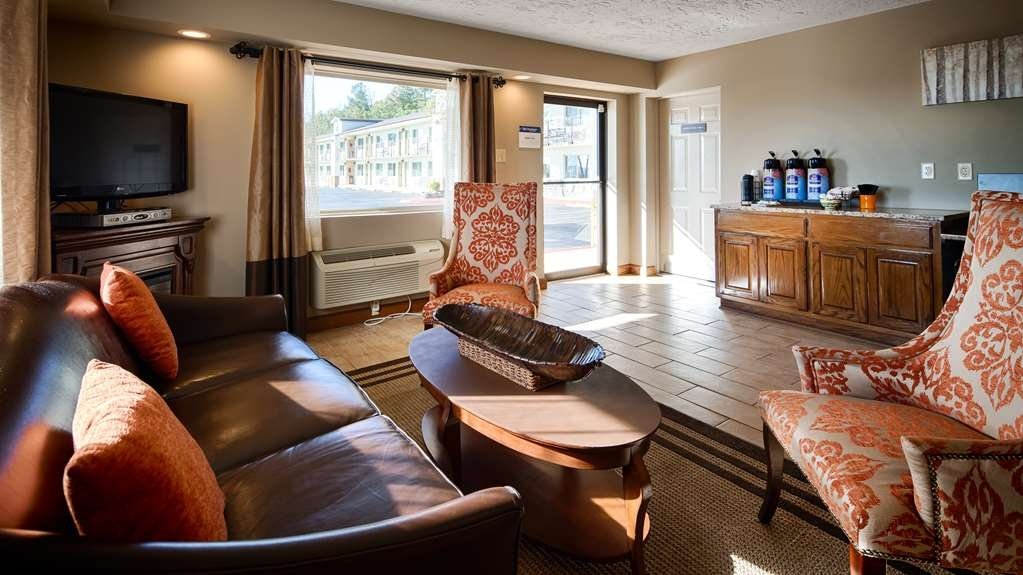 Best Western Hillside Inn - Our lobby is the perfect spot grab a cup of fresh brewed coffee or tea after a long day of work or travel.