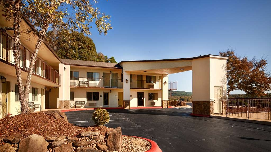 Best Western Hillside Inn - Vista Exterior