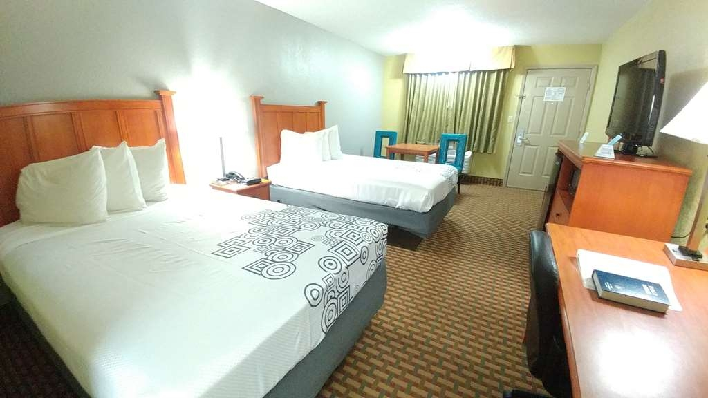 Best Western Jacksonville Inn - Live in true luxury when you book our 2 double bedroom.