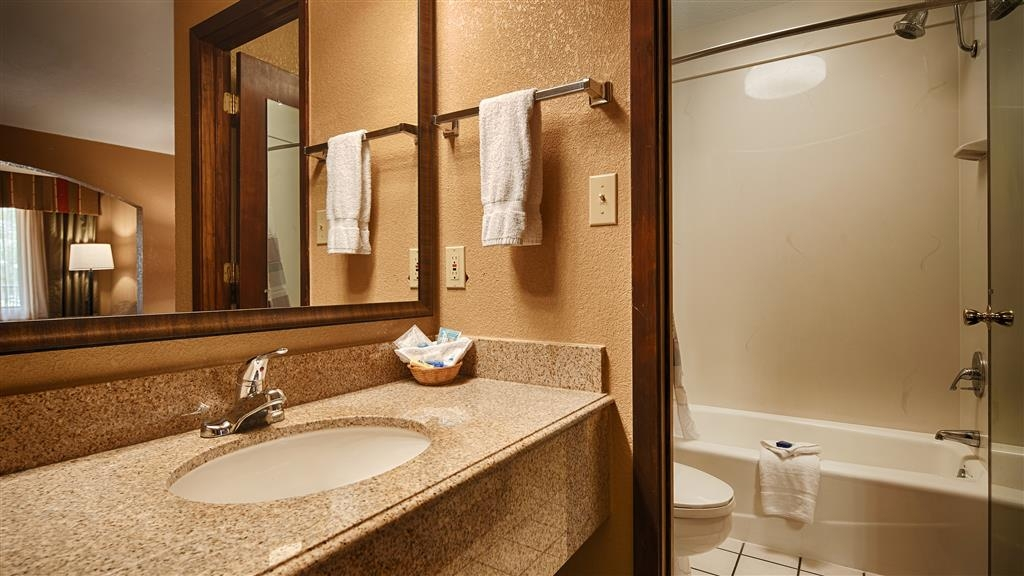 Best Western Inn - We take pride in making everything spotless for your arrival in this deluxe king bathroom.