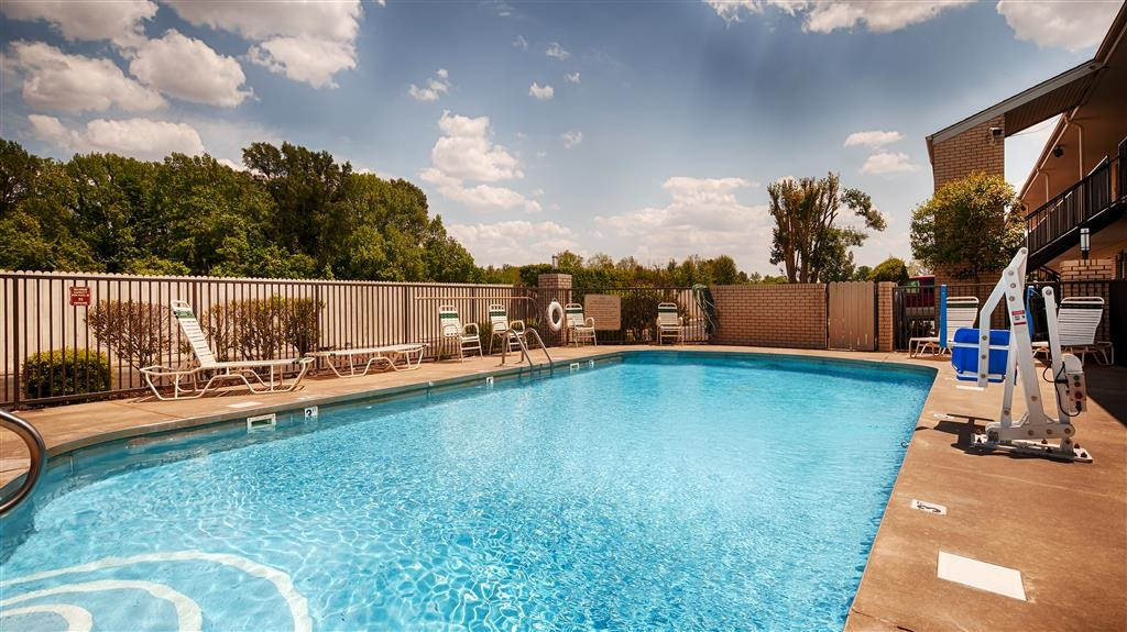 Best Western Inn - Come stay at the Best Western Inn that features an seasonal outdoor swimming pool.
