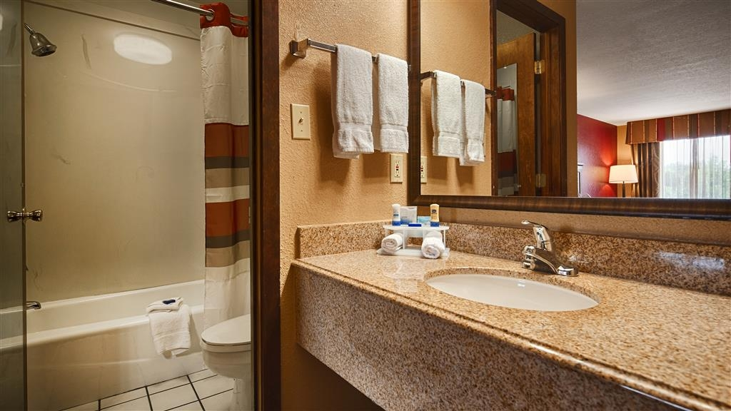 Best Western Inn - Enjoy getting ready for the day in our fully equipped guest bathrooms.
