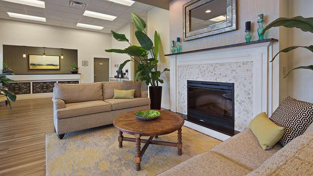 Cool Hotel In Charleston Best Western Charleston Inn Interior Design Ideas Gentotthenellocom