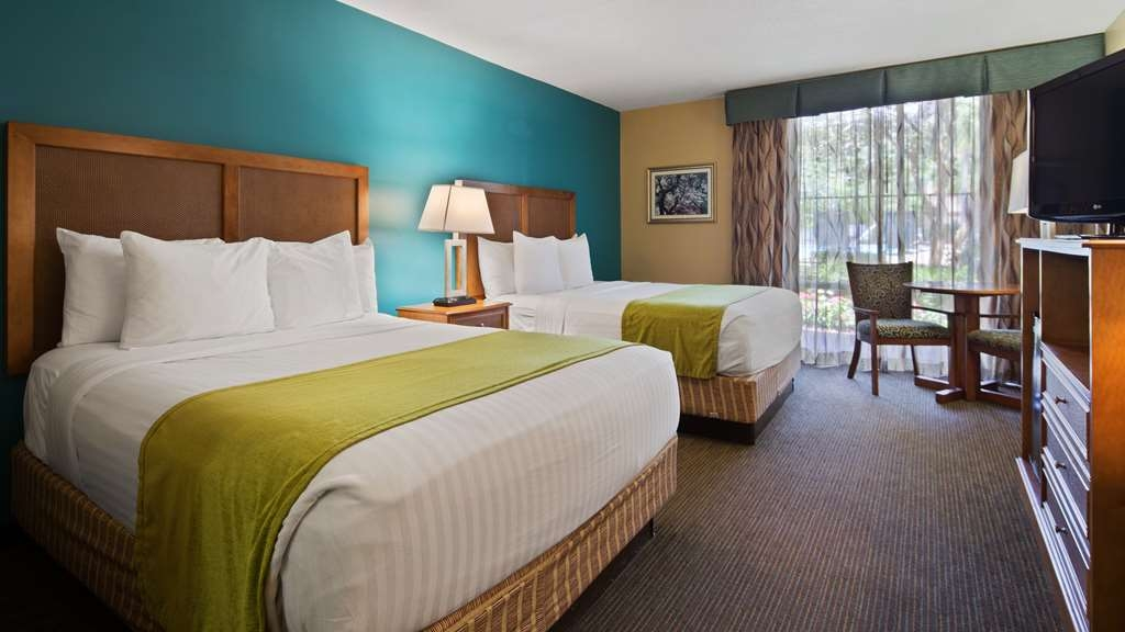 Best Western Charleston Inn - Our Double Queen rooms feature two Queen Size beds and are wonderfully appointed.