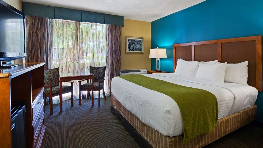 Best Western Charleston Inn - Many of our Deluxe King rooms overlook our pool area.