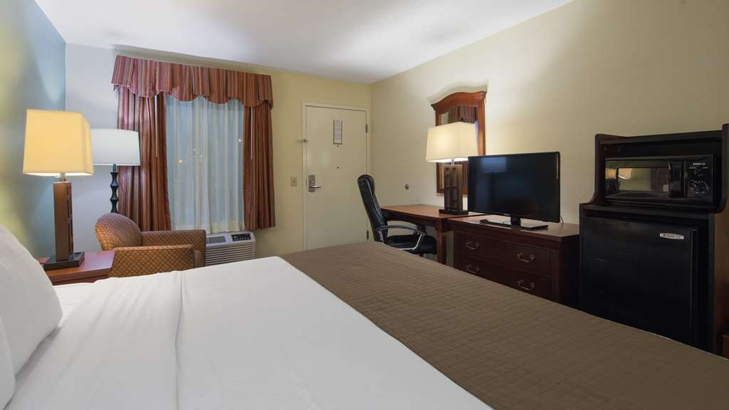 Best Western Of Walterboro - King Bed Guestroom