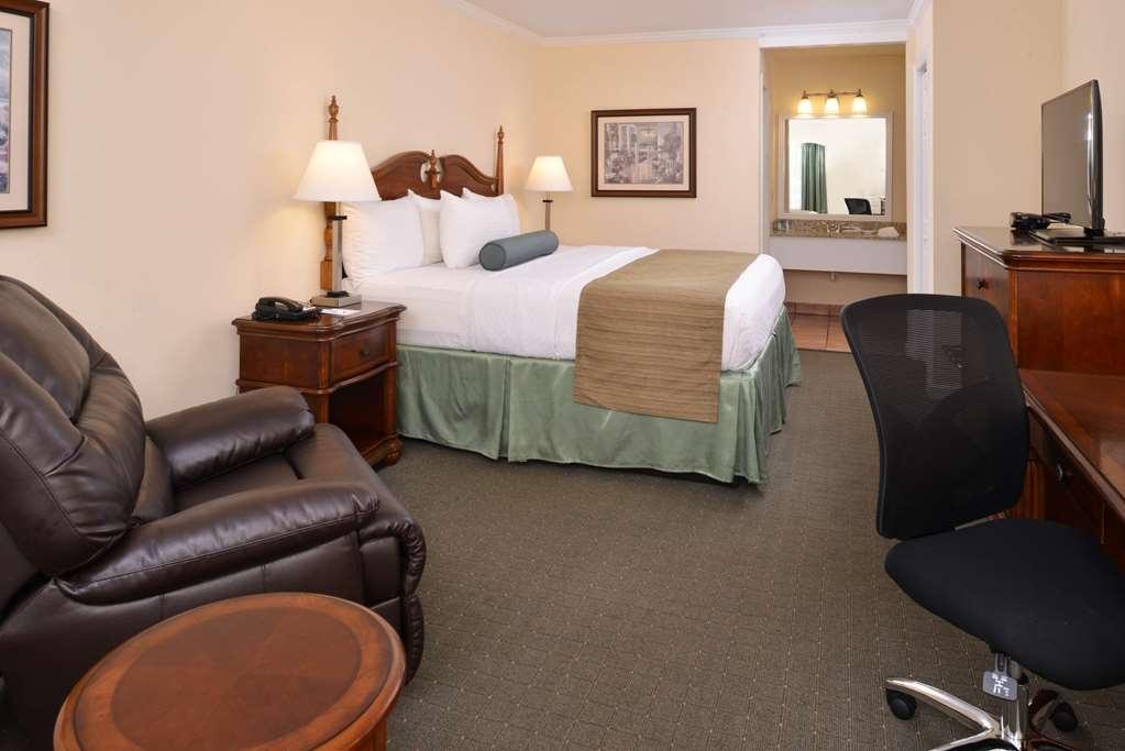 Best Western Plus Santee Inn - Habitaciones/Alojamientos