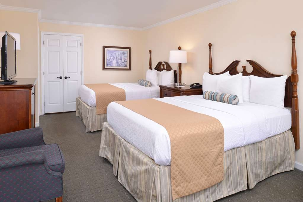 Best Western Plus Santee Inn - Guest Room with Two Queens Beds