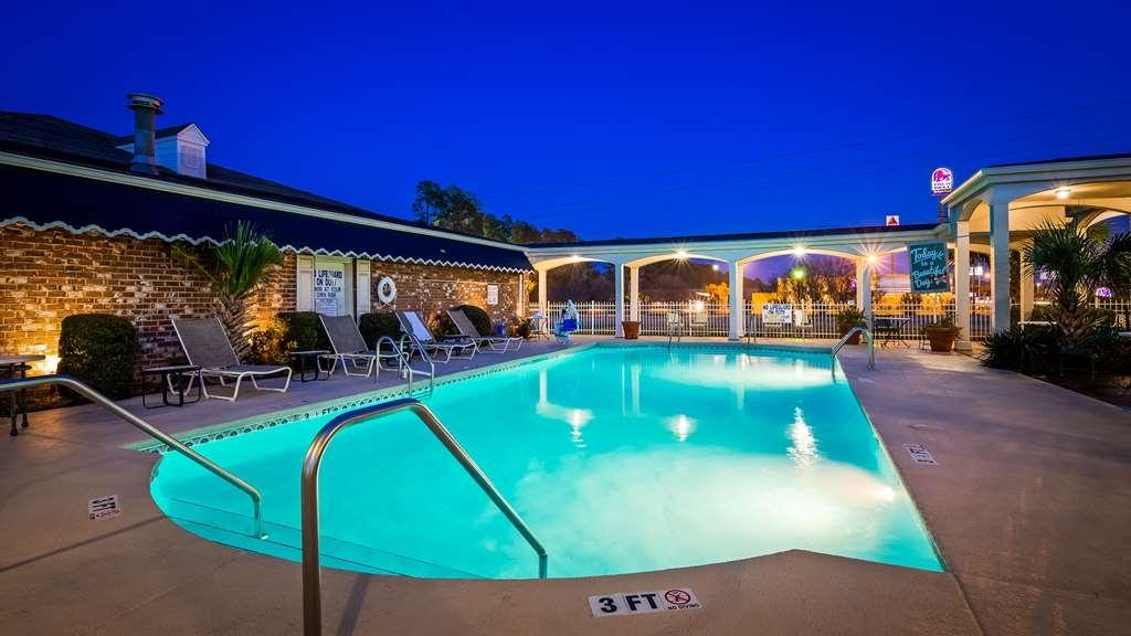 Best Western Plus Santee Inn - Outdoor Pool