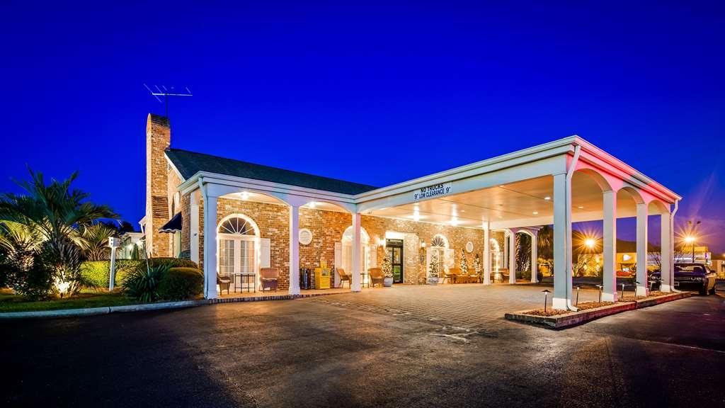 Best Western Plus Santee Inn - Facciata dell'albergo