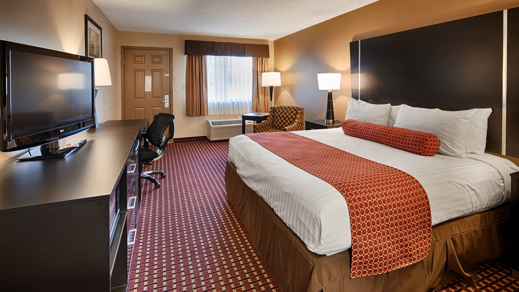 Best Western Van Buren Inn - We offer a variety of king rooms from standard to mobility accessible.