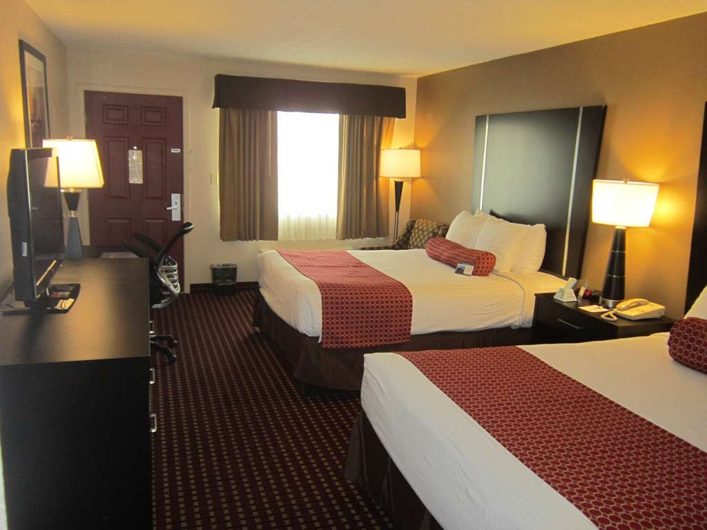 Best Western Van Buren Inn - If you need additional space for your family make a reservation for this 2 queen bedroom.