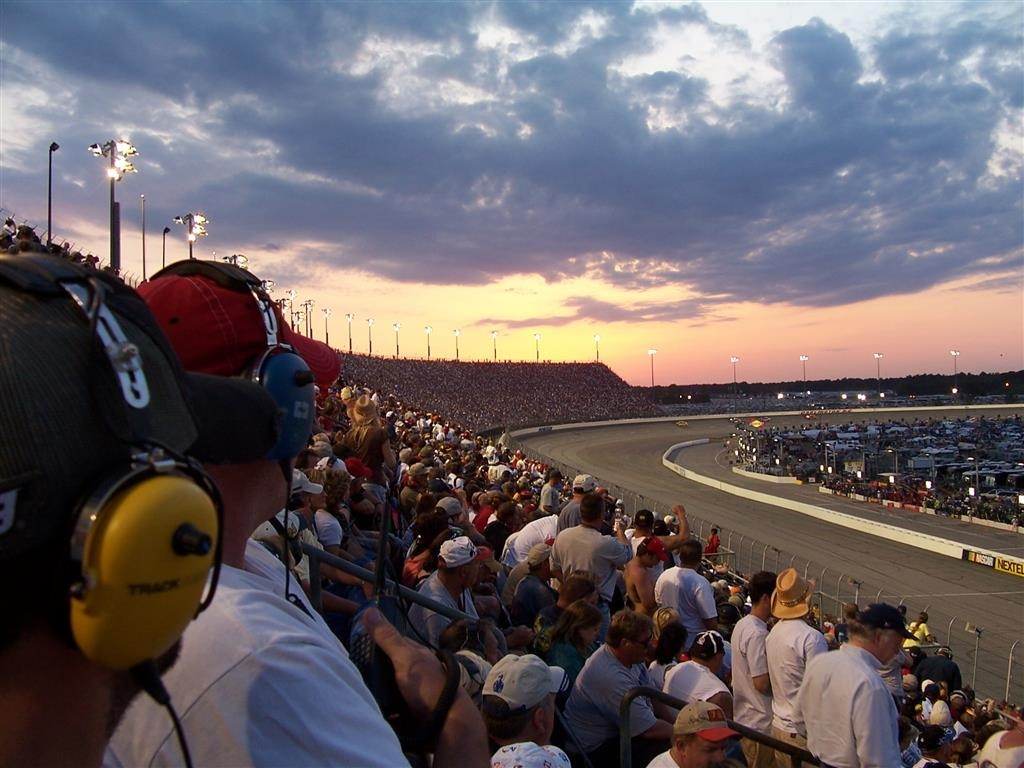 Best Western Inn - Stay with us during the Bojangles' Southern 500 - NASCAR Cup Series Labor Day Weekend!