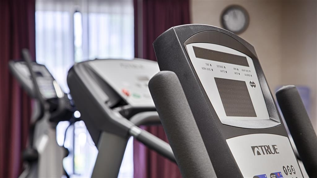 Best Western Executive Inn & Suites - Our fitness center allows you to keep up with your home routine even when you're not at home.