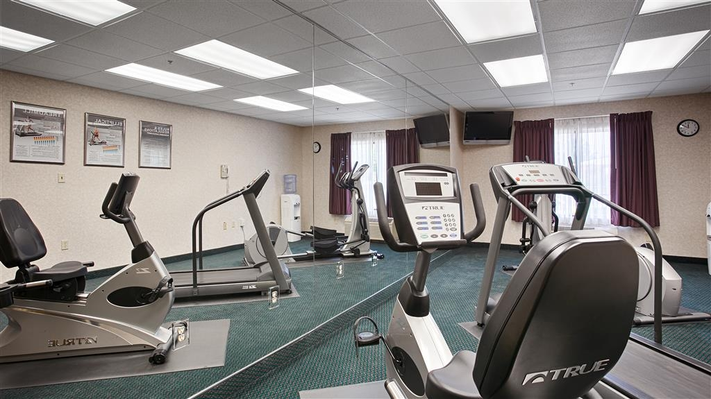 Best Western Executive Inn & Suites - Catch an episode of your favorite show while working off those pesky calories.