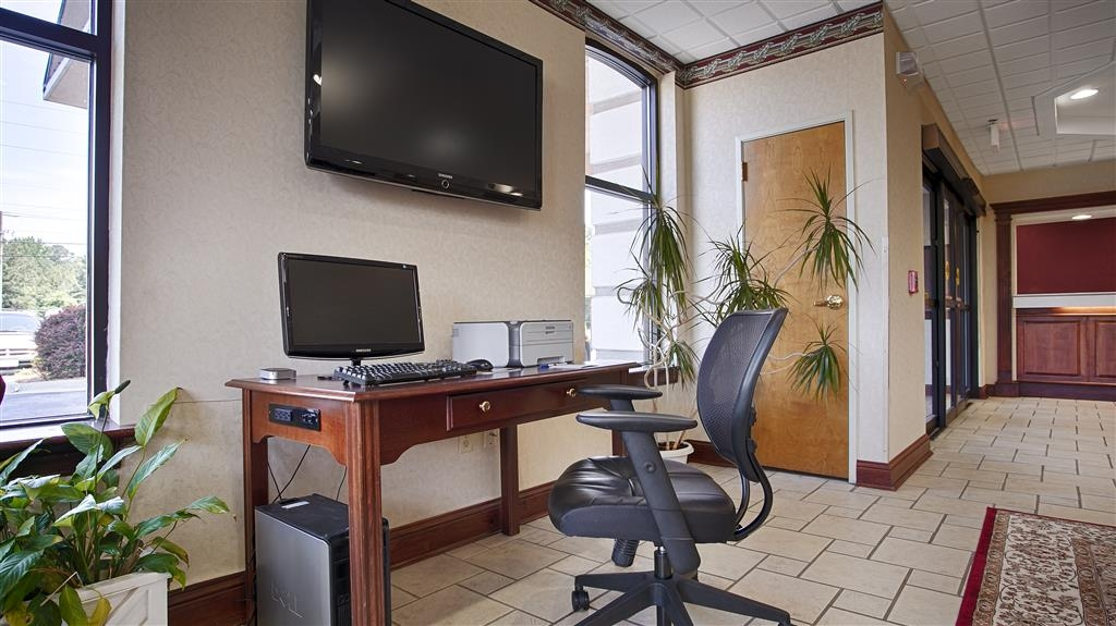 Best Western Executive Inn & Suites - Free high-speed Internet and printer capabilities are available for you in our business center.