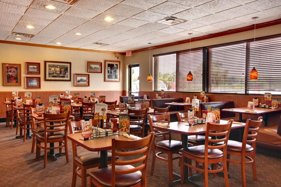 Best Western Point South - Enjoy a meal anytime, 24/7, at the on-site Denny's®.