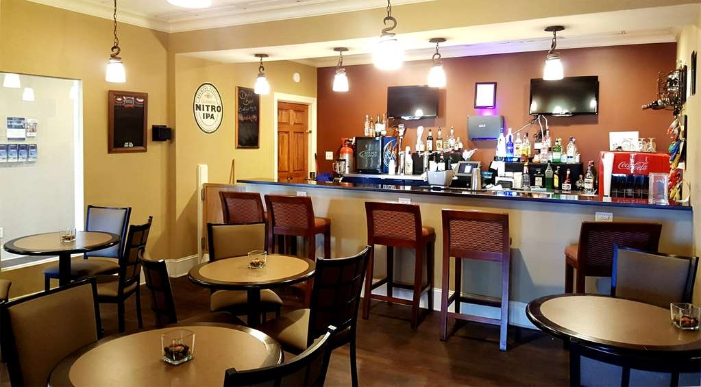 Best Western Point South - Bar/Lounge