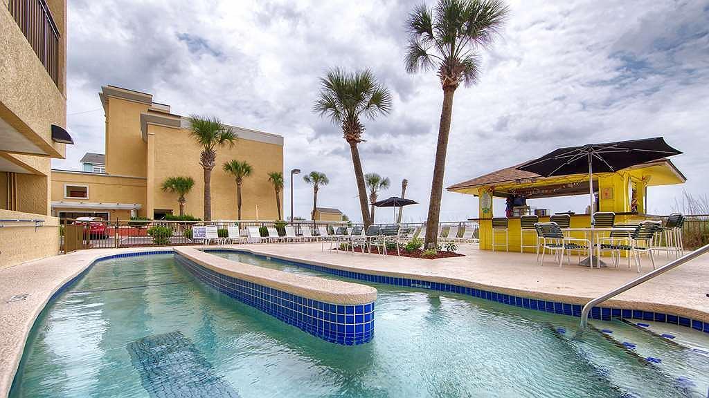 Best Western Ocean Sands Beach Resort - Vue de la piscine
