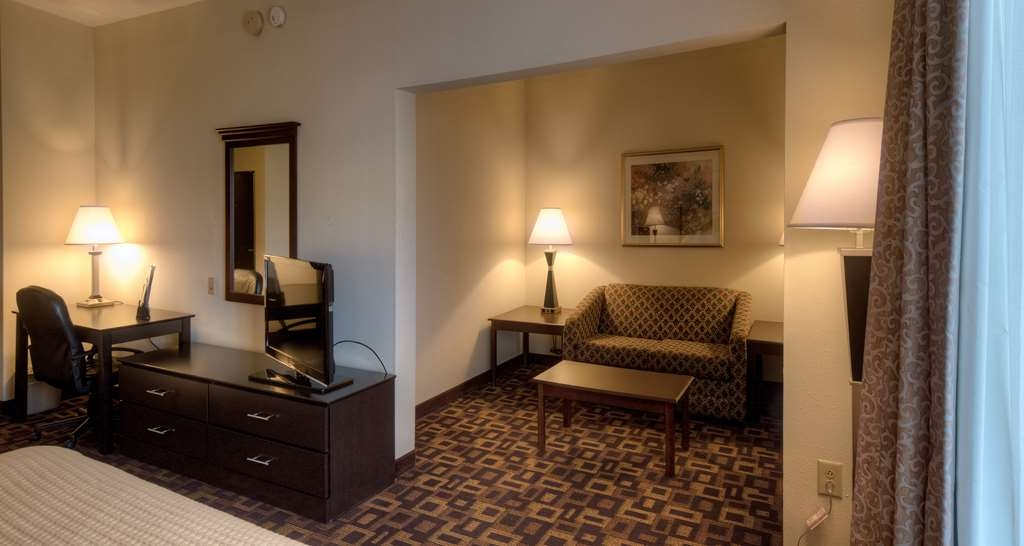 Best Western Carowinds - King Guest Room with Loveseat