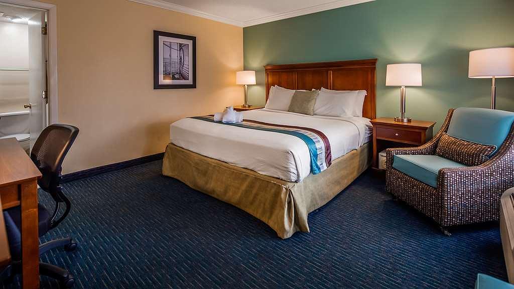 Amazing Hotel In Myrtle Beach Best Western Plus Grand Strand Inn Creativecarmelina Interior Chair Design Creativecarmelinacom