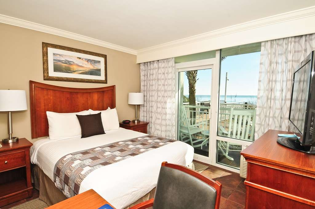 Best Western Plus Grand Strand Inn & Suites - Oceanfront King Suite efficiency