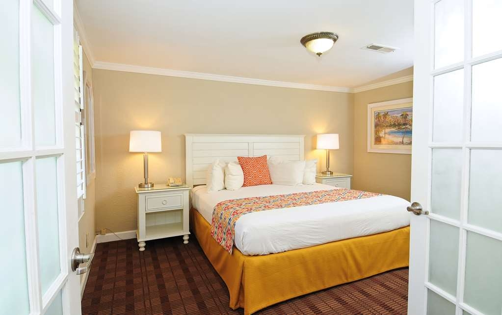 Best Western Plus Grand Strand Inn & Suites - Three Bedroom Cottage Bedroom, one of three bedrooms