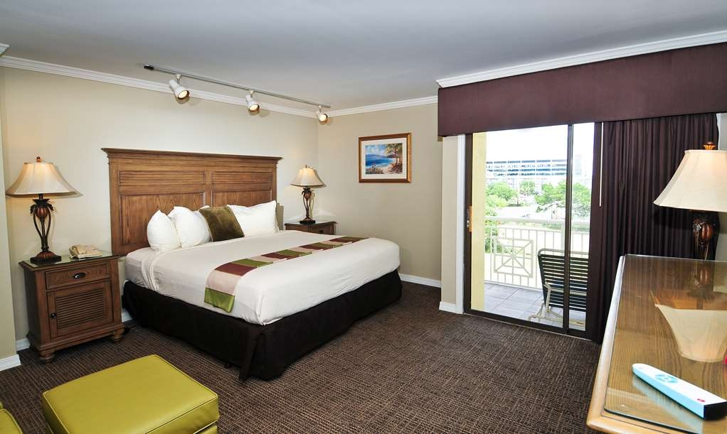Best Western Plus Grand Strand Inn & Suites - Oceanview Penthouse King Guest Room