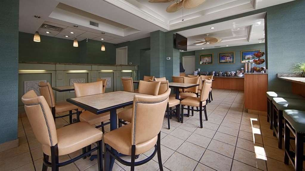 Best Western Plus Grand Strand Inn & Suites - Breakfast Area