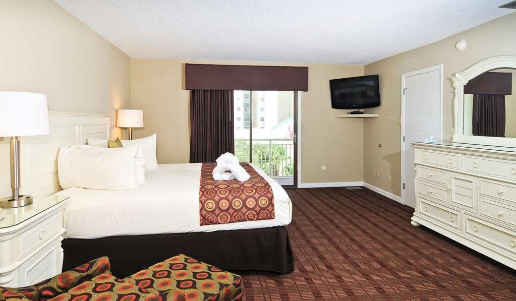 Best Western Plus Grand Strand Inn & Suites - Two bedroom penthouse, one of two queen guest bedrooms.