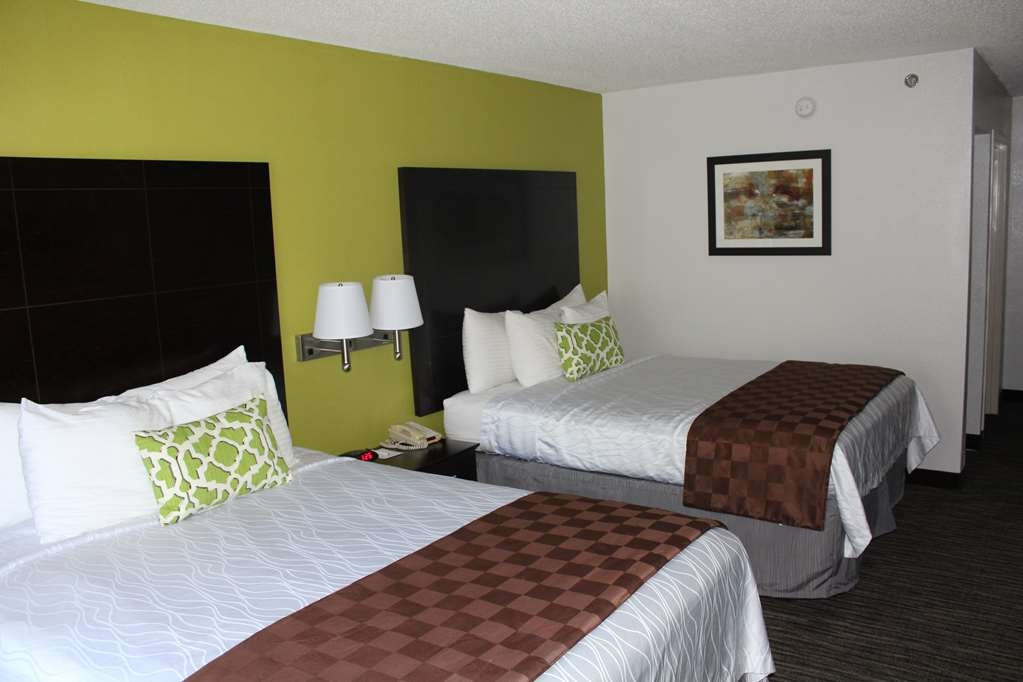 Best Western Magnolia Inn and Suites - Enjoy the space of our Double Queen Room!