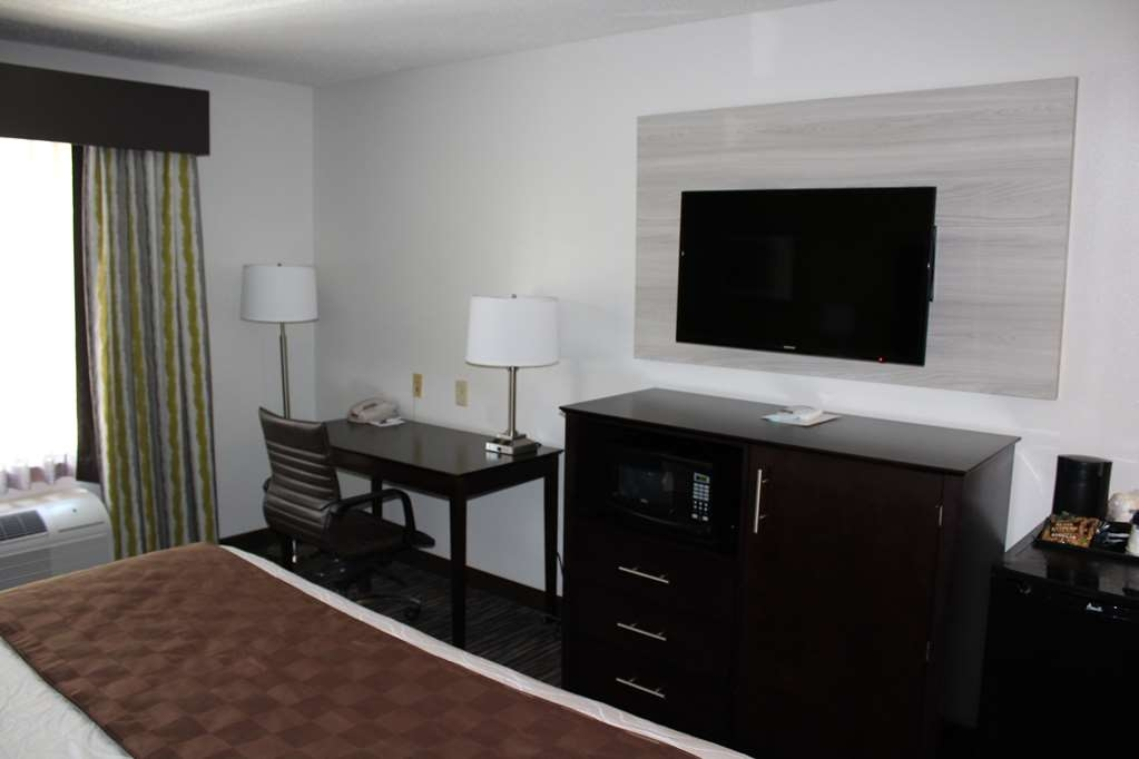 Best Western Magnolia Inn and Suites - Enjoy the amenities you desire in our King Rooms.