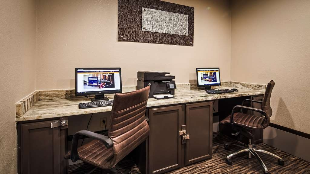 Best Western Magnolia Inn and Suites - Our business center features a free printer for you to use.