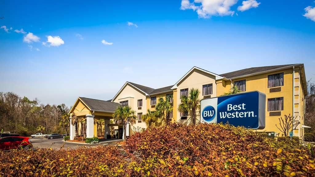 Best Western Magnolia Inn and Suites - Experience the meaning of true comfort and southern hospitality at the Best Western Magnolia Inn & Suites.