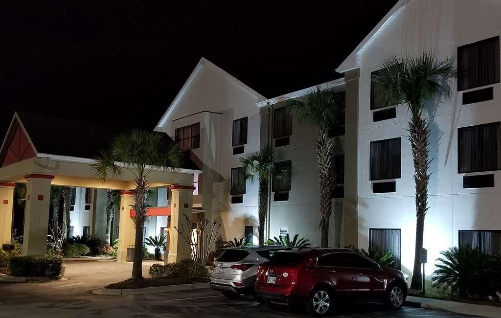Best Western Magnolia Inn and Suites - Vista Exterior