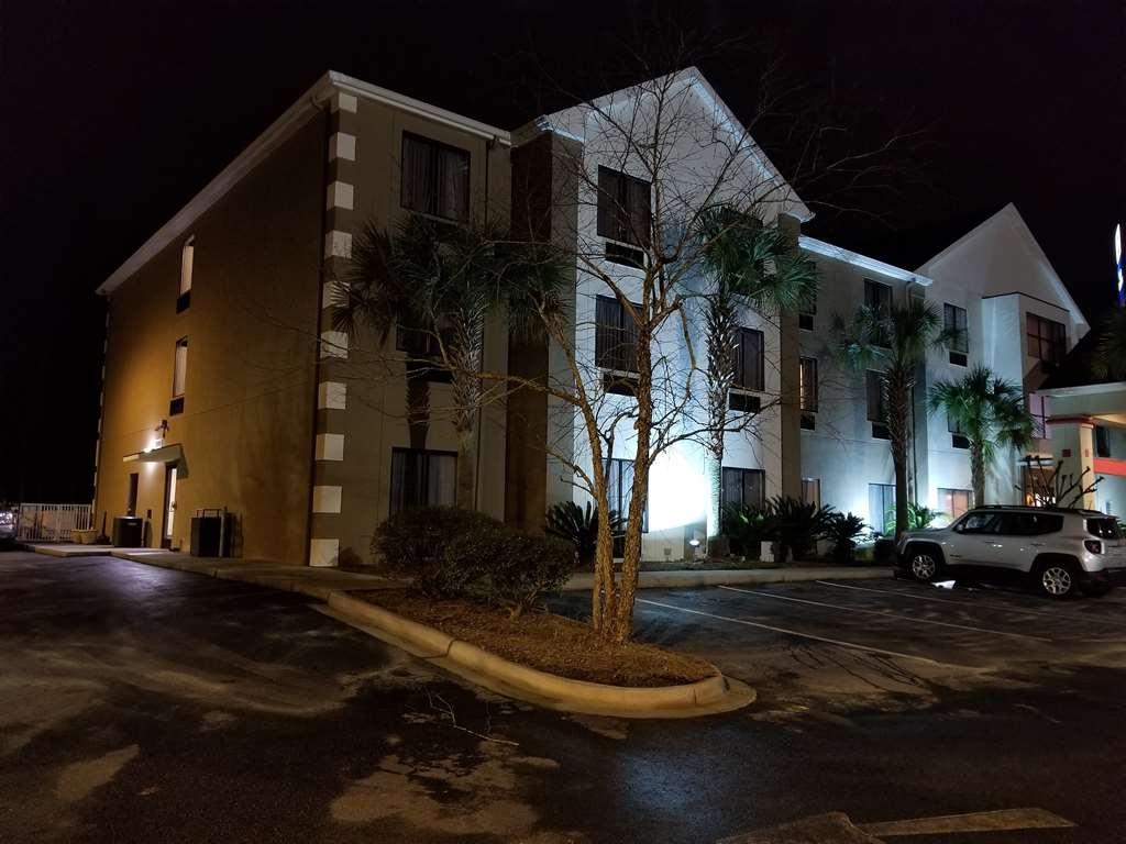 Hotel in Ladson | Best Western Magnolia Inn and Suites