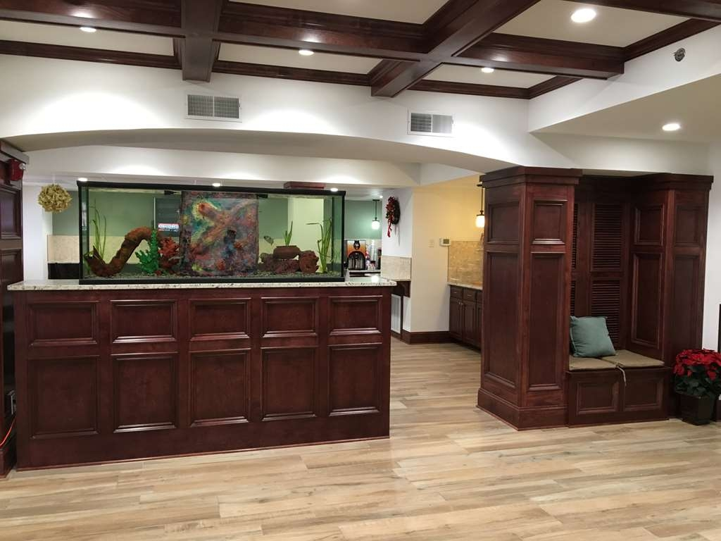 Best Western Patriots Point - The moment you step into our quaint lobby, you'll feel like part of our family.