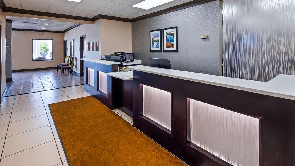 Best Western Greenville Airport Inn - Hall